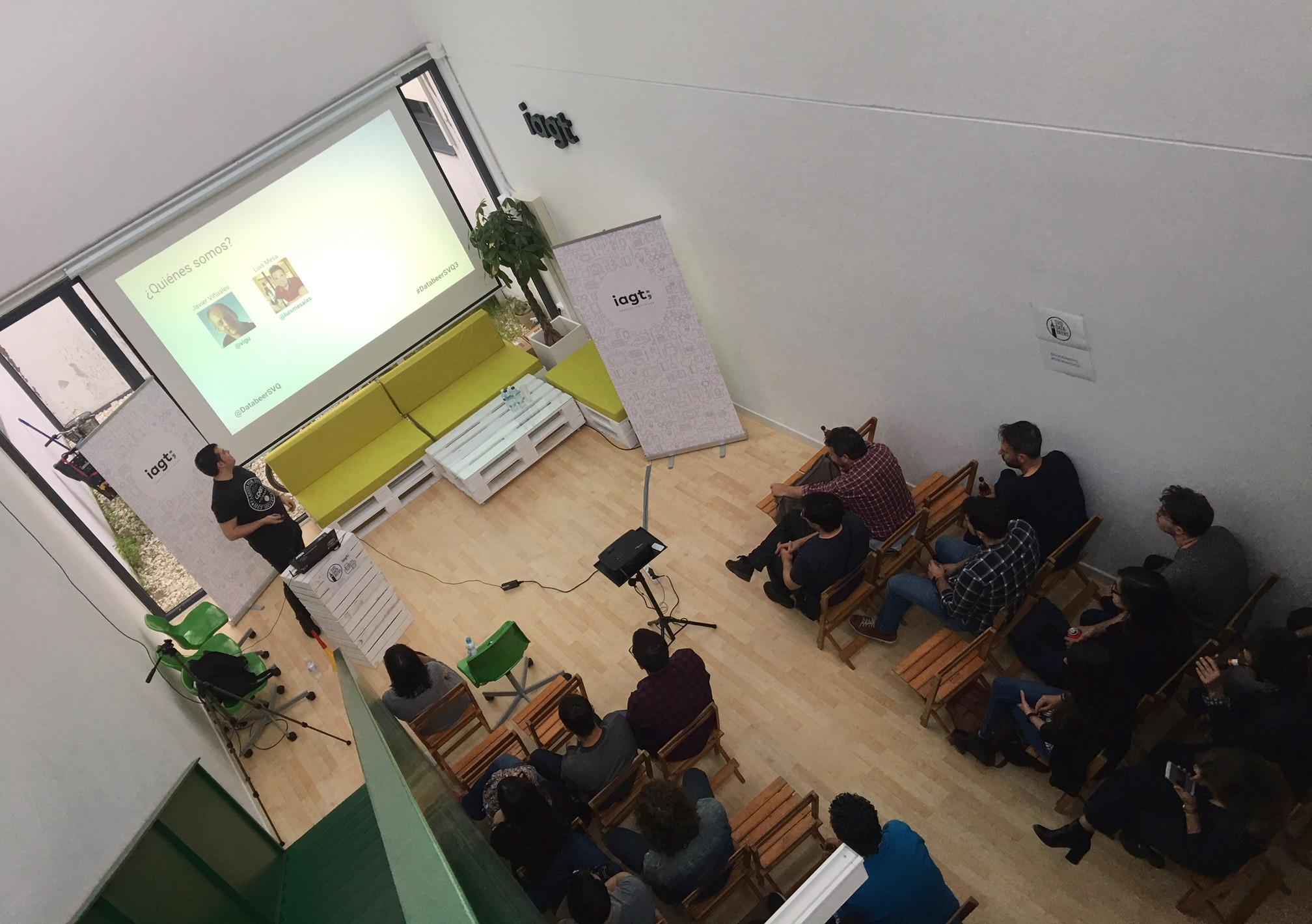 Apertura de la tercera edición del DataBeers en Sevilla
